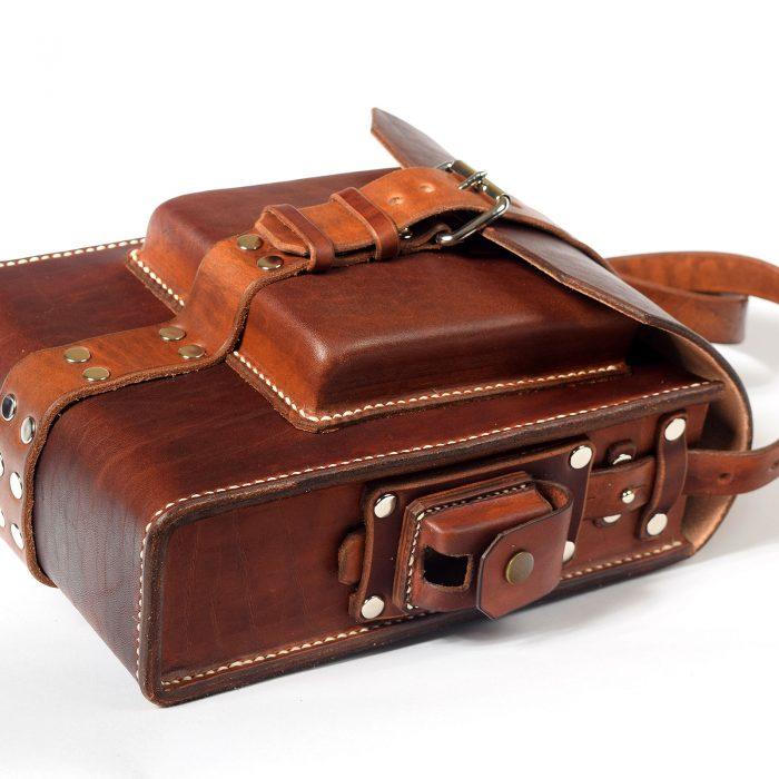 Kožená taška s puzdrom na Zippo
